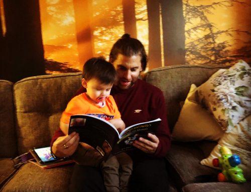 Hugo & Daddy Reading